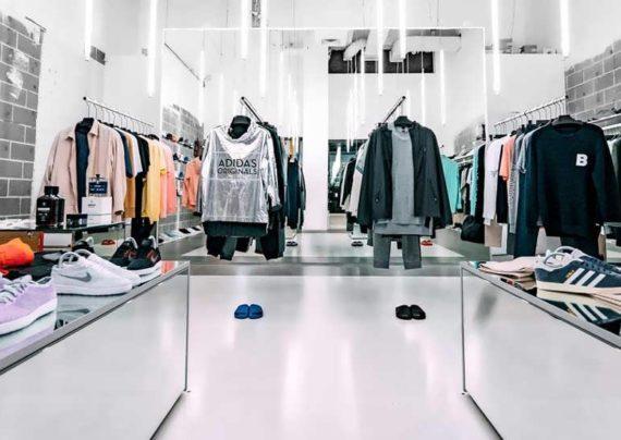 انواع دکوراسیون فروشگاه پوشاک زیبا و مدرن