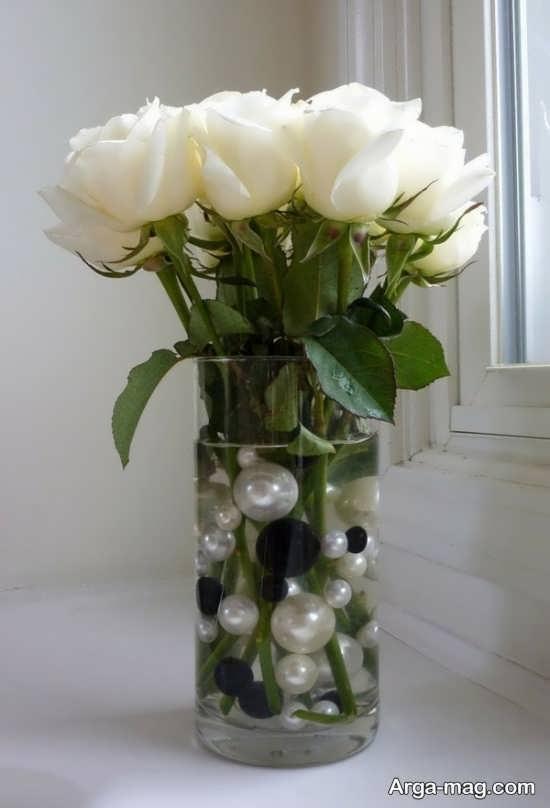 تزیین جذاب گلدان شیشه ای