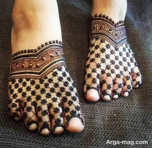 مدل حنا روی پوست پا