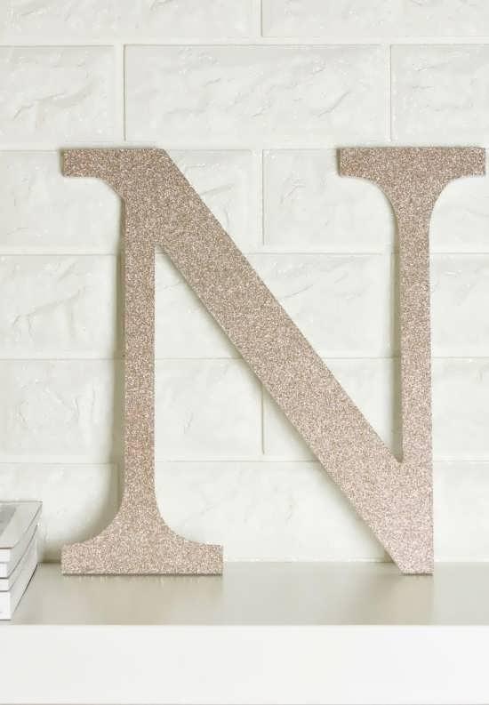 حرف n با طرح ساده و شیک