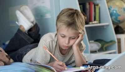 تشویق کودک به نوشتن تکالیف