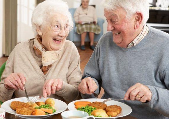 غذاهای مفید برای سالمندان را بهتر بشناسید