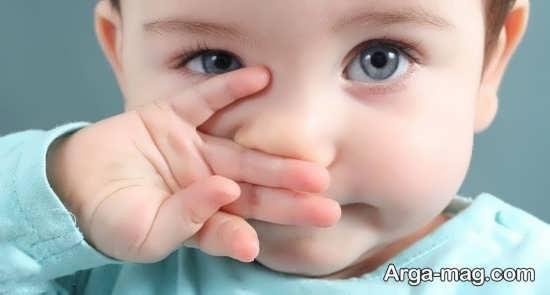 آشنایی با تمیز کردن گوش نوزاد