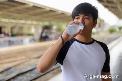 نوشیدن آب کافی برای پرپشت شدن ریش و سبیل در مردان
