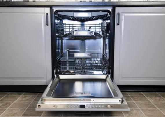 علل تخلیه نشدن آب ماشین ظرفشویی