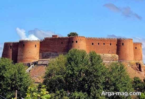 قلعه جذاب فلک الافلاک