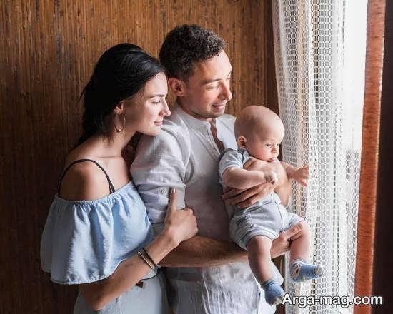 ایده های جدید و جالب ژست عکس نوزاد با پدر و مادر