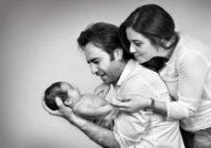 گالری ژست عکس نوزاد با پدر و مادر