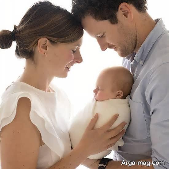 مجموعه ژست عکس نوزاد با پدر و مادر زیبا