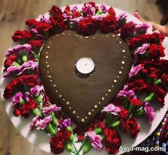 حنای تزئین شده با طرح قلب