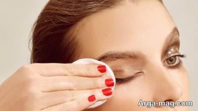 پاک کردن میکاپ چشمان حساس