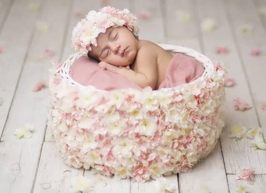 تصویر پروفایل بامزه نوزاد دختر
