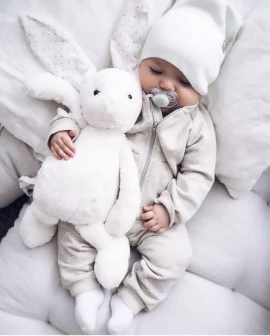ژست جالب نوزاد دختر یک ماهه