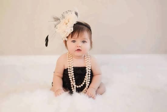 عکس نوزاد دختر با ژست جدید