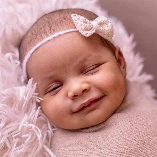 عکس پروفایل نوزاد دختر زیبا و دوست داشتنی