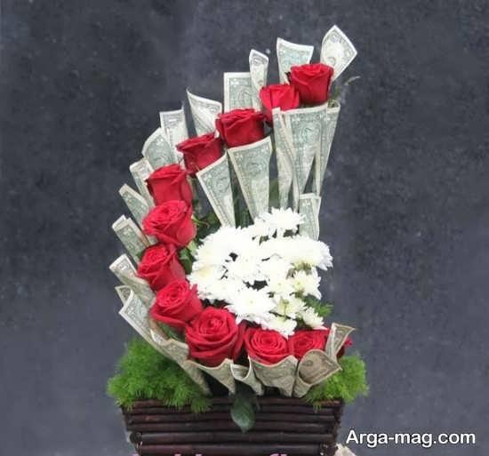 دسته گل دیزاین شده با اسکناس