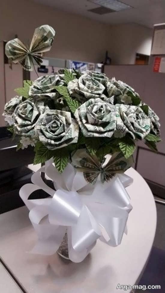 دسته گل تزیین شده با پول