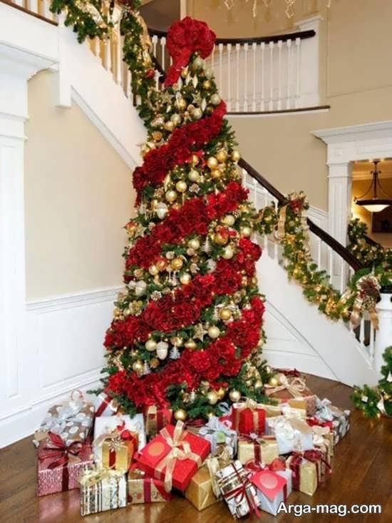 طراحی هنرمندانه درخت کریسمس