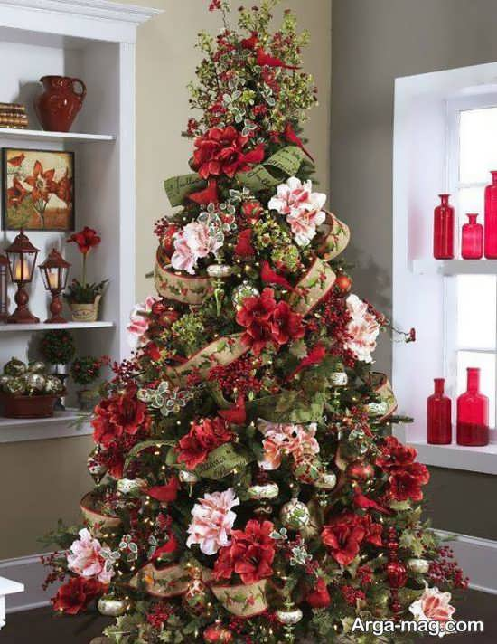 دیزاین درخت کریسمس با گل طبیعی