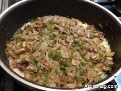 اضافه کردن قارچ به مواد پنکیک