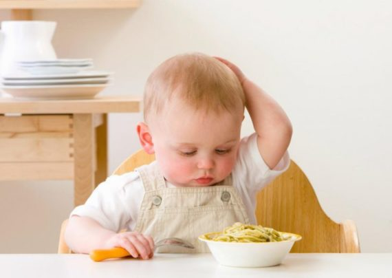 نوع تغذیه کودک سیزده ماهه