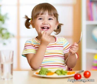 قرار دادن میوه در تغذیه کودک سه ساله