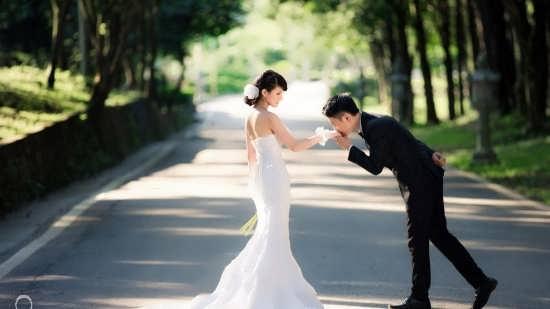 تصویر احساسی برای عروس و داماد