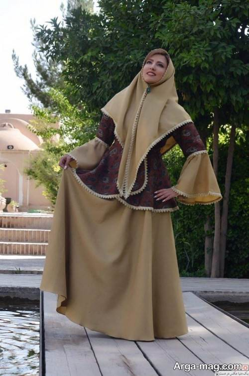 لباس رنگ روشن قاجاری