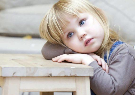 آشنایی با دلایل دیر حرف زدن کودک