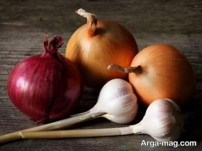 غذا هایی دارای چاشنی سیر و پیاز بوی بد بدن زیاد می کند