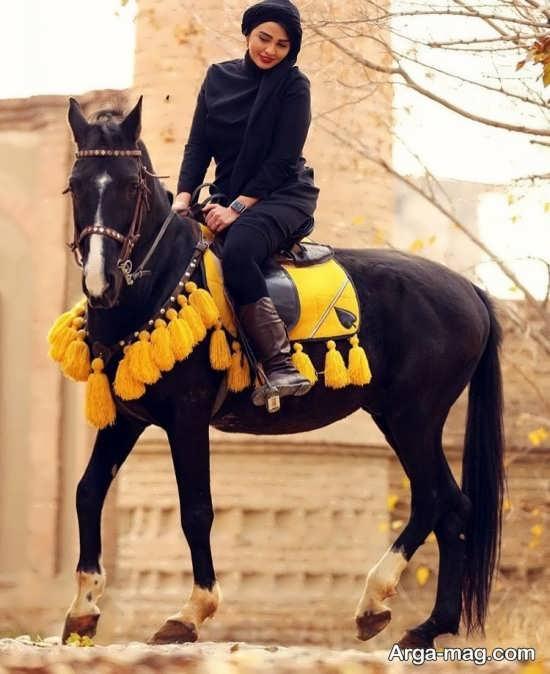 گالری ژست عکس با اسب
