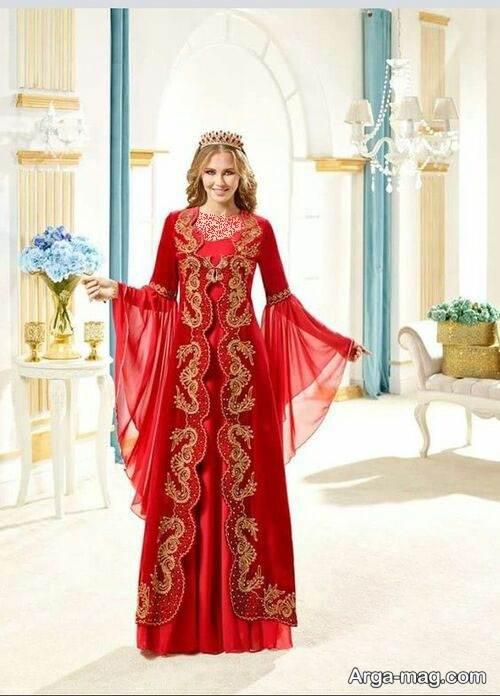 لباس سنتی قرمز