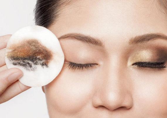 آموزش پاک کردن آرایش از روی صورت