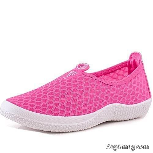 کفش صورتی و سفید دخترانه