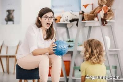 با کودک خجالتی خود بازی کنید