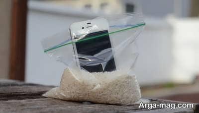 خیس شدن موبایل و برنج