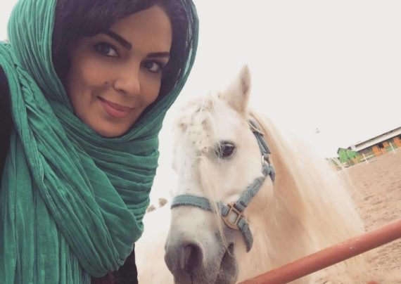 سارا خوئینی ها بازیگر موفق تلویزیون و تئاتر ایرانی