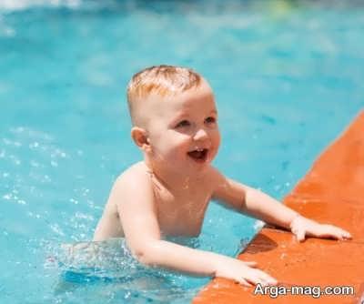 آب بازی کردن کودک راهی در پرورش خلاقیت کودک
