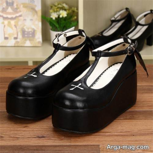 کفش جلو بسته زنانه