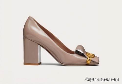 مدل کفش پاشنه پهن رنگ روشن