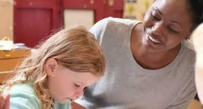 پرورش فرزند با نشاط و شاد