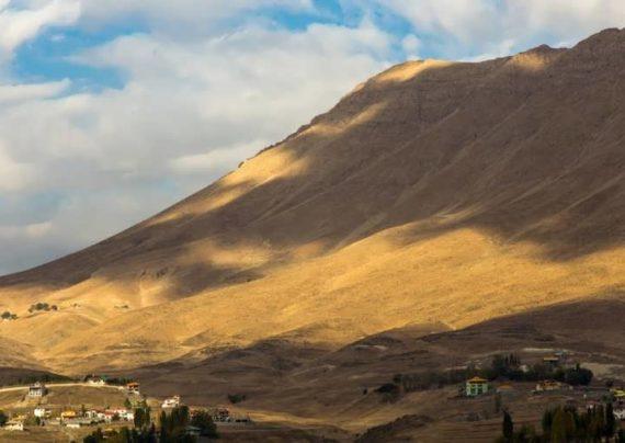 لاریجان یکی از شهر های باستانی ایران می باشد