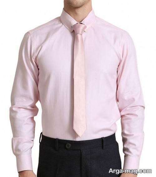پیراهن و کراوات رنگ روشن