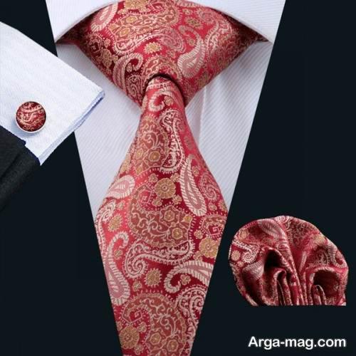 ست کراوات طرح دار و پیراهن ساده