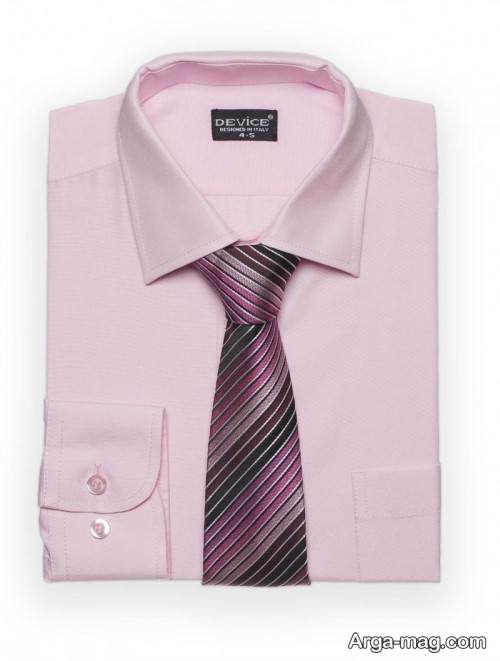 پیراهن ساده و کراوات طرح دار مردانه