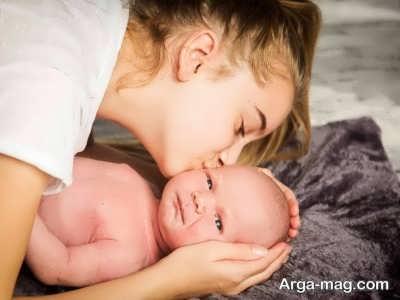 چرا بوسه مادر برای نوزاد خطری ندارد