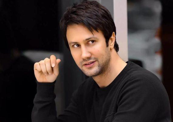 شاهرخ استخری بازیگر موفق و خوش چهره ی کشورمان