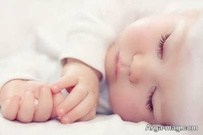 آه کشیدن نوزادان در خواب