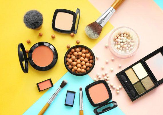 بررسی فاسد شدن لوازم آرایش