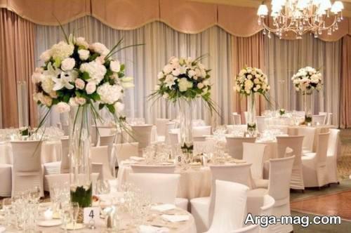 گل آرایی زیبا میز
